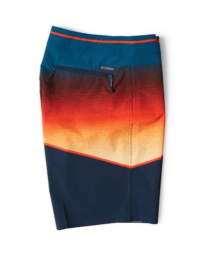 2 North Point Pro Boardshorts Yellow M130VBNP Billabong