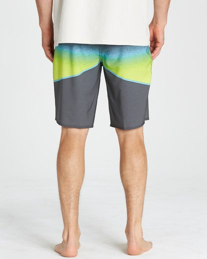 10 North Point Pro Boardshorts Grey M130VBNP Billabong
