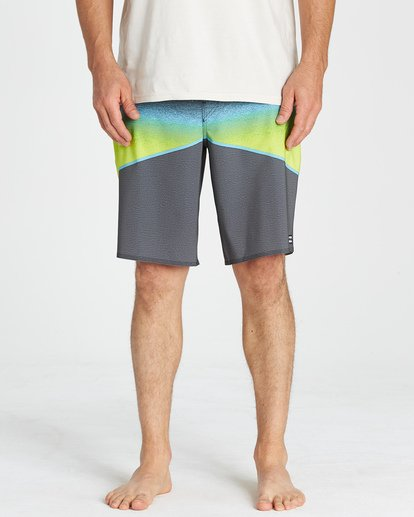7 North Point Pro Boardshorts Grey M130VBNP Billabong