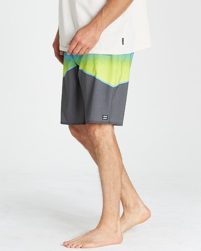 9 North Point Pro Boardshorts Grey M130VBNP Billabong