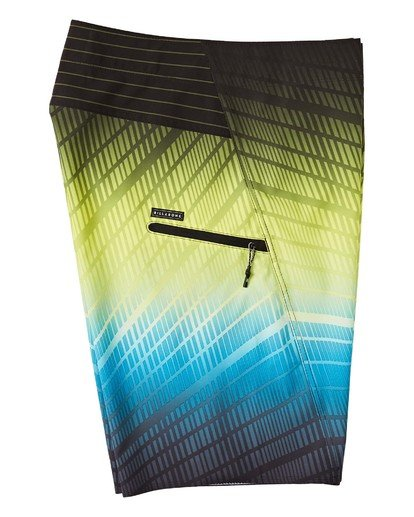 "3 Fluid Pro Boardshorts 20"" Black M1311BFP Billabong"