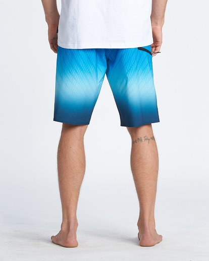 "10 Fluid Pro Boardshort 20"" Blue M1311BFP Billabong"