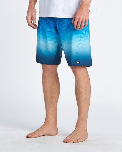 "8 Fluid Pro Boardshort 20"" Blue M1311BFP Billabong"