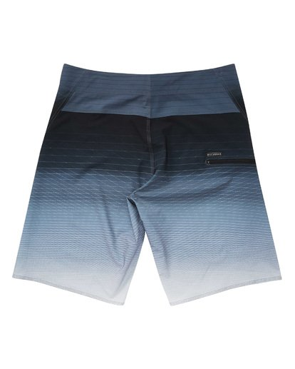 1 Fluid Pro Boardshorts Black M131TBFL Billabong