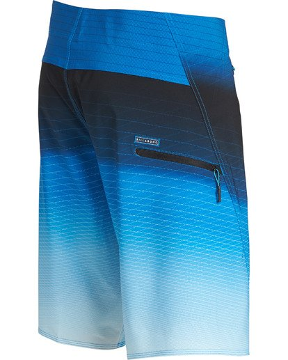3 Fluid Pro Boardshorts Blue M131TBFL Billabong