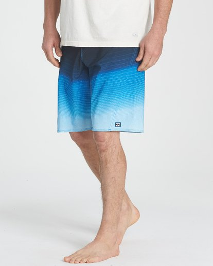 5 Fluid Pro Boardshorts Blue M131TBFL Billabong