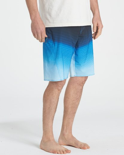 6 Fluid Pro Boardshorts  M131TBFL Billabong