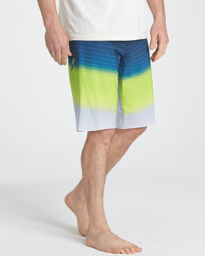 4 Fluid Pro Boardshorts Green M131TBFL Billabong