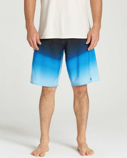 8 Fluid Pro Boardshorts Blue M131TBFL Billabong
