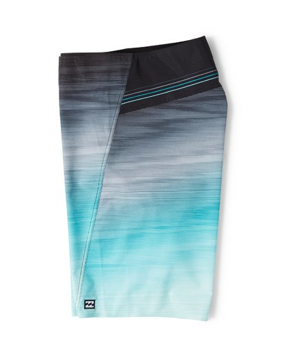 3 Fluid Pro Boardshorts Green M131VBFL Billabong
