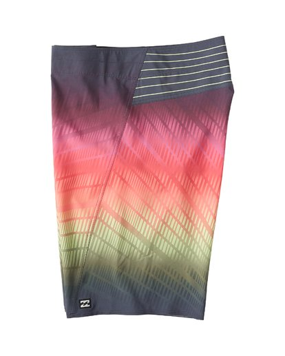 2 Fluid Pro Boardshorts Red M131VBFL Billabong