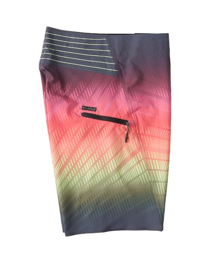 "3 Fluid Pro Boardshort 21"" Red M131VBFL Billabong"
