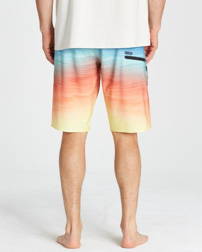 10 Fluid Pro Boardshorts Blue M131VBFL Billabong