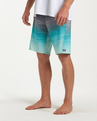 7 Fluid Pro Boardshorts Green M131VBFL Billabong