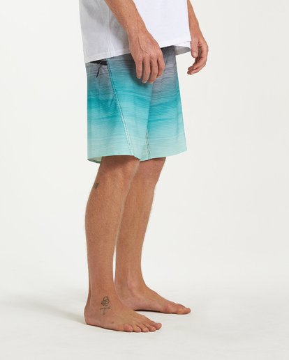 8 Fluid Pro Boardshorts Green M131VBFL Billabong