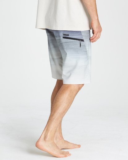 8 Fluid Pro Boardshorts Grey M131VBFL Billabong