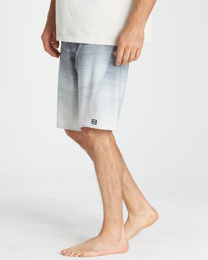 9 Fluid Pro Boardshorts Grey M131VBFL Billabong