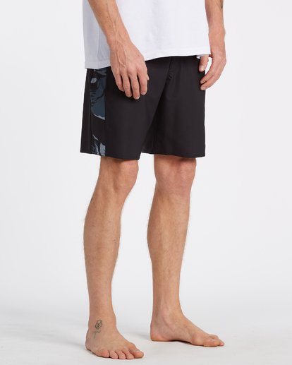 11 D Bah Pro Boardshorts Black M1321BDS Billabong