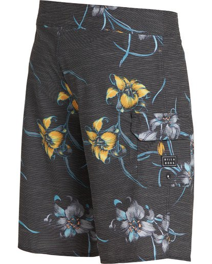 3 All Day Floral Pro Boardshorts Black M132TBAF Billabong