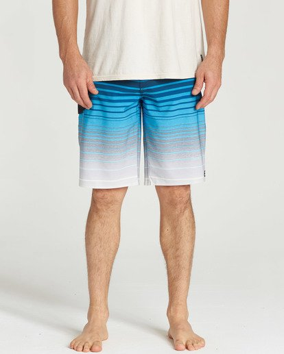 8 All Day Stripe Pro Boardshorts Blue M133TBAS Billabong