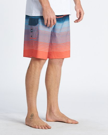 4 All Day Stripe Pro Boardshorts Multicolor M1341BSP Billabong