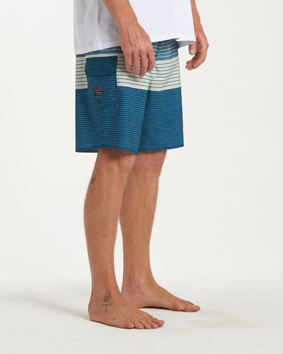 8 All Day Heather Stripe Pro Boardshorts Blue M134VBAH Billabong