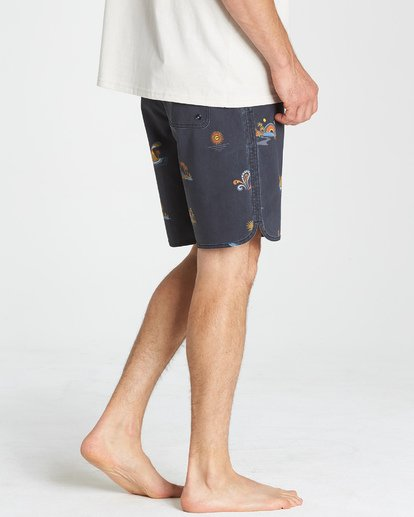 9 73 Lineup LT Boardshorts Blue M143TBSL Billabong