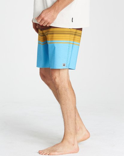 10 Spinner LT Boardshorts Blue M144VBSP Billabong