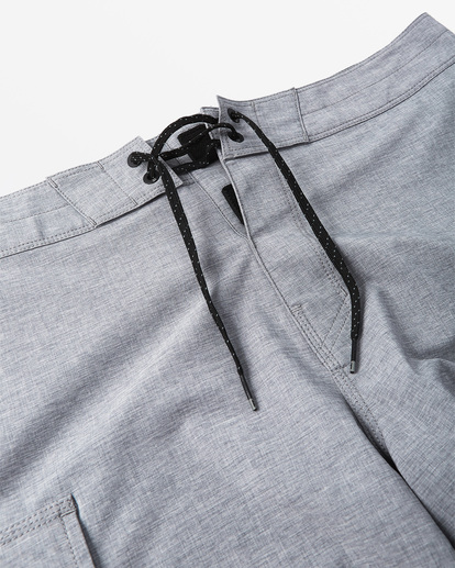 4 Combat Bottle Opener Pro Boardshorts Grey M1991BCB Billabong
