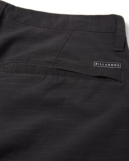 10 Crossfire X Submersibles Shorts Black M202VBCX Billabong