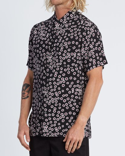 1 Sundays Daisy Short Sleeve Shirt Black M502WBSR Billabong