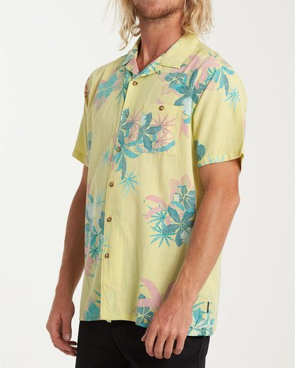 1 Vacay Print Short Sleeve Shirt Yellow M505VBVP Billabong