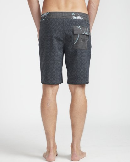 "7 Sundays Min Pro 18"" Boardshorts Black N1BS07BIP9 Billabong"