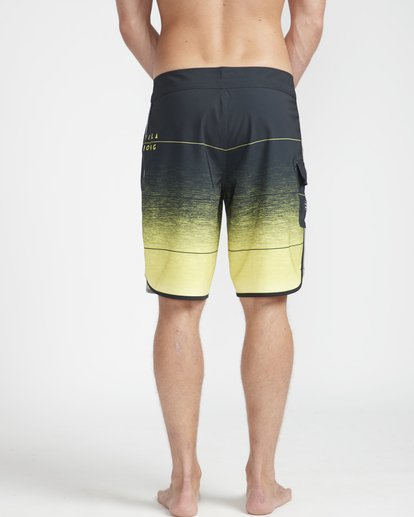 "7 73 Stripe Pro 19"" Boardshorts Yellow N1BS10BIP9 Billabong"