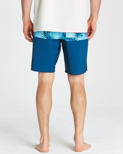 12 Tribong Pro - Boardshorts für Männer Blau Q1BS04BIF9 Billabong