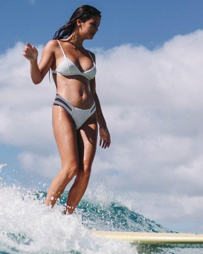 0 Too Salty Fix Tri Bikini Top White XT13VBTO Billabong