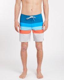 Momentum X Short 17'' Boardshorts  J1BS04BIS8