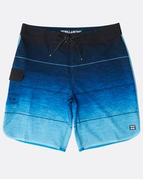 """73 Stripe Pro 19"""" Boardshorts  N1BS10BIP9"""
