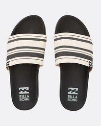 Surf Retreat Slide Sandals  N9FF06BIP9