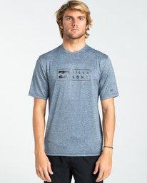 United - Short Sleeve UPF 50 Rash Vest for Men  W4MY14BIP1