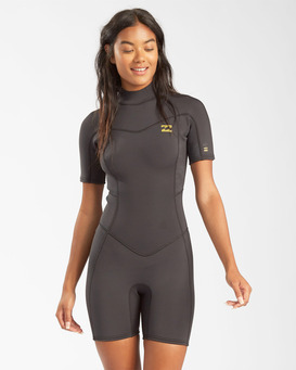 2/2mm Synergy - Short Sleeve Back Zip Springsuit for Women  W42G60BIP1