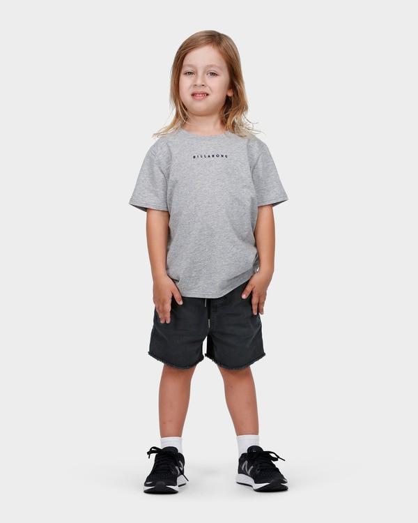 0 BOYS RUNAROUND ELASTIC CUTOFFS WALKSHORT  7585701 Billabong