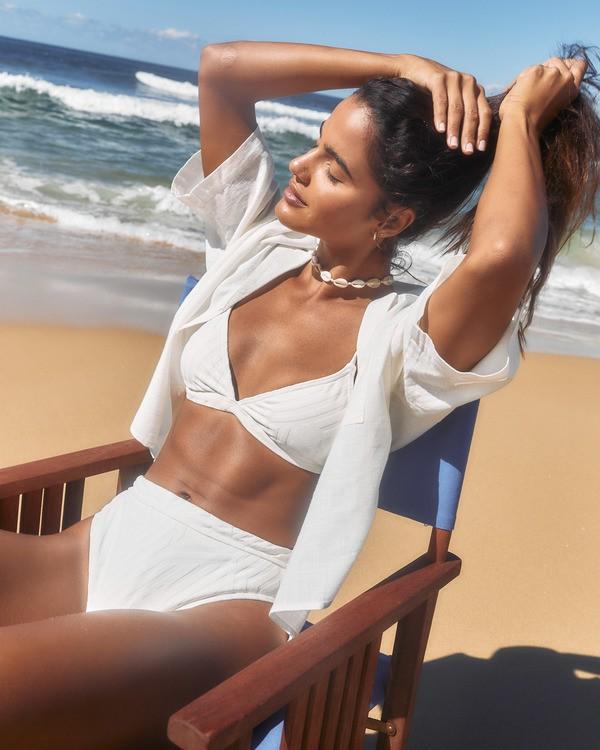 0 Peeky Days Tri Bikini Top White XT522BPE Billabong