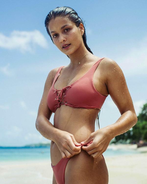 0 Sol Searcher Lace Up Bikini Top Pink XT57PBSO Billabong