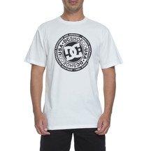 1709ecde3e Outlet: moletons, camisetas, bermudas, calças e muito mais com ate ...