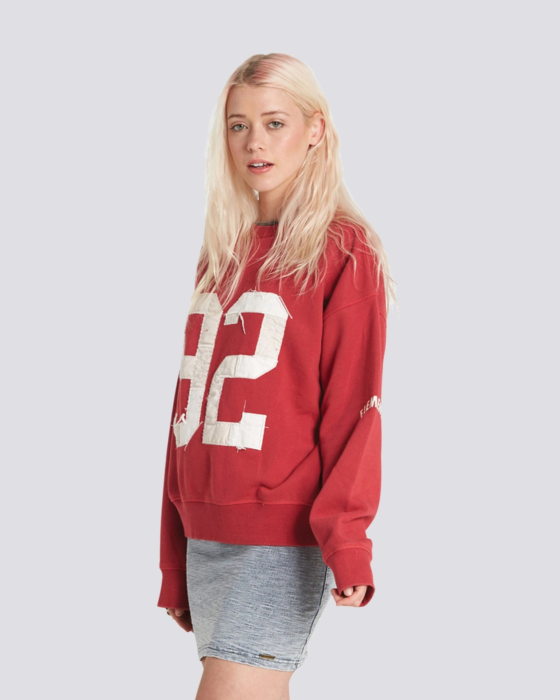 2 Season Star Crew Neck Sweatshirt  J657SESE Element