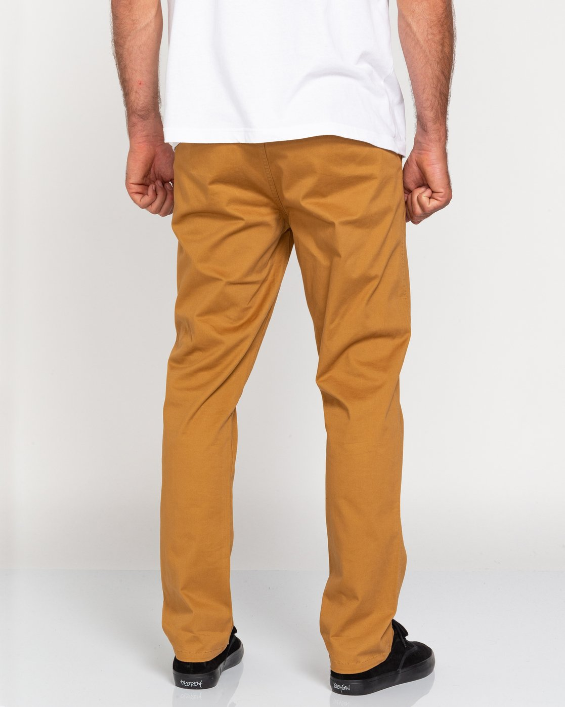 4 Howland Classic - Chinos for Men Brown U1PTC1ELF0 Element
