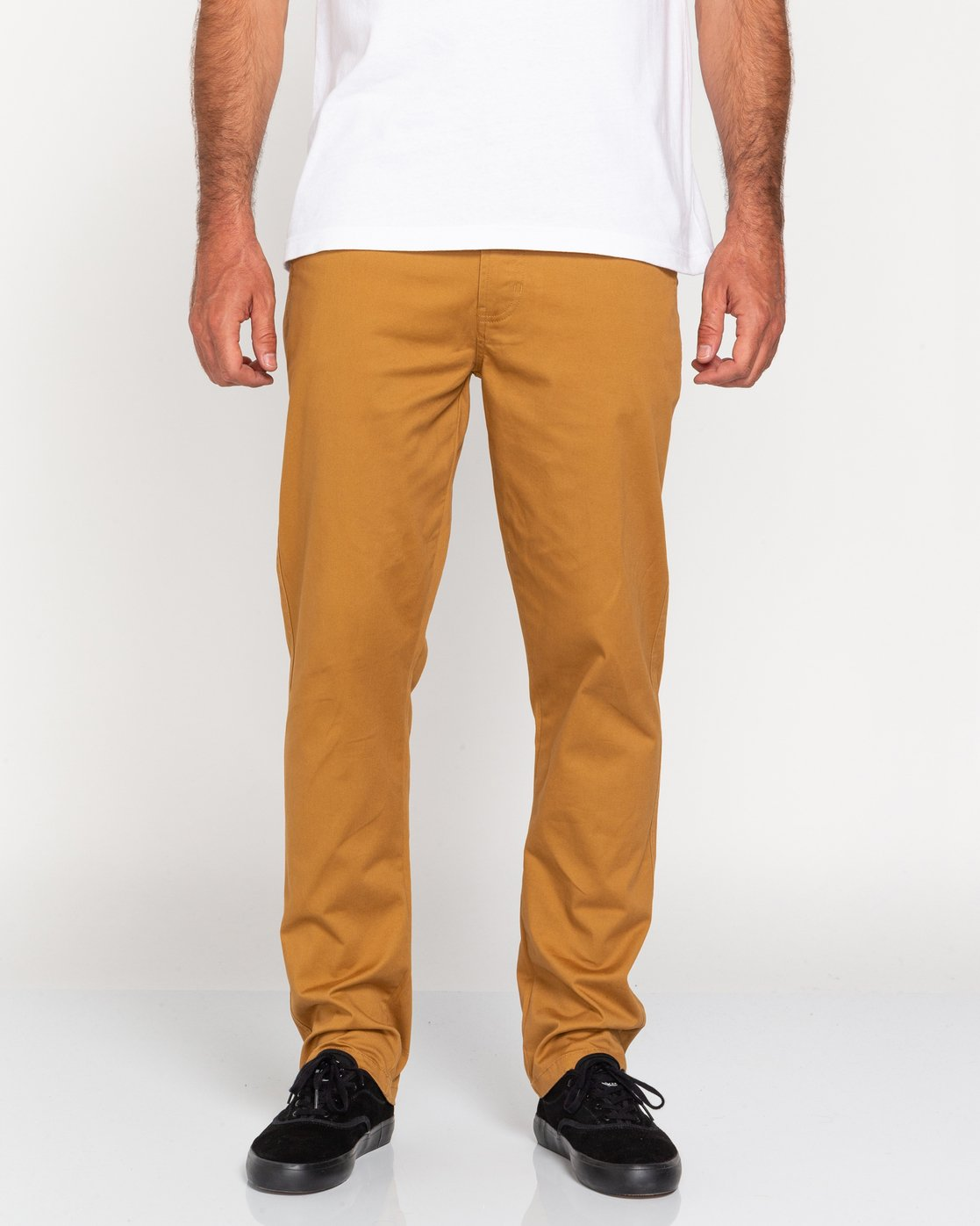 2 Howland Classic - Chinos for Men Brown U1PTC1ELF0 Element