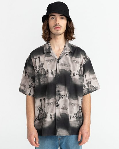 5 Planet of the Apes Paradise Short Sleeve Button-Down Shirt Black ALYWT00124 Element