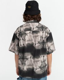 4 Planet of the Apes Paradise Short Sleeve Button-Down Shirt Black ALYWT00124 Element
